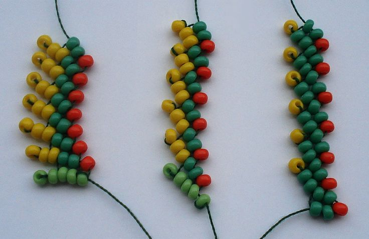 St Petersburg chain - nice picture tute.  navigate with the bottom arrows.  #seed #bead #tutorial