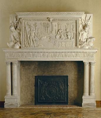 Diane et Actéon, cheminée, Châlons-en-Champagne, vers 1567. Artiste: JEAN MIGNON. Le bas-relief en pierre sculptée qui représente Diane au bain surprise par Actéon provient, d'un hôtel particulier de Châlons-en-Champagne détruit au XIX°s, tout comme le manteau, situé à l'autre extrémité de la galerie de Psyché. Il présente simultanément, et en perspective, 3 scènes. Au 1° plan, Actéon, à gauche, surprend Diane au bain, à droite, entourée de ses suivantes. Puni de son involontaire curiosité…