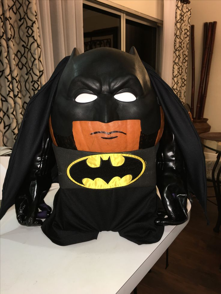 Best 25 batman pumpkin ideas on pinterest batman pumpkin carving batman pumpkin stencil and - Breathtaking halloween decoration using batman pumpkin carving ...