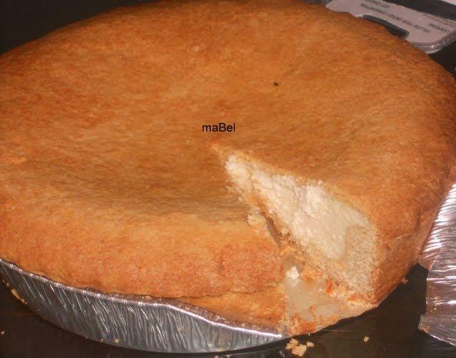 Esta torta de ricota o tarta de ricotta, es una de las clásicas en las pastelerías argentinas, aunque tiene su raíz en Italia, donde los in...