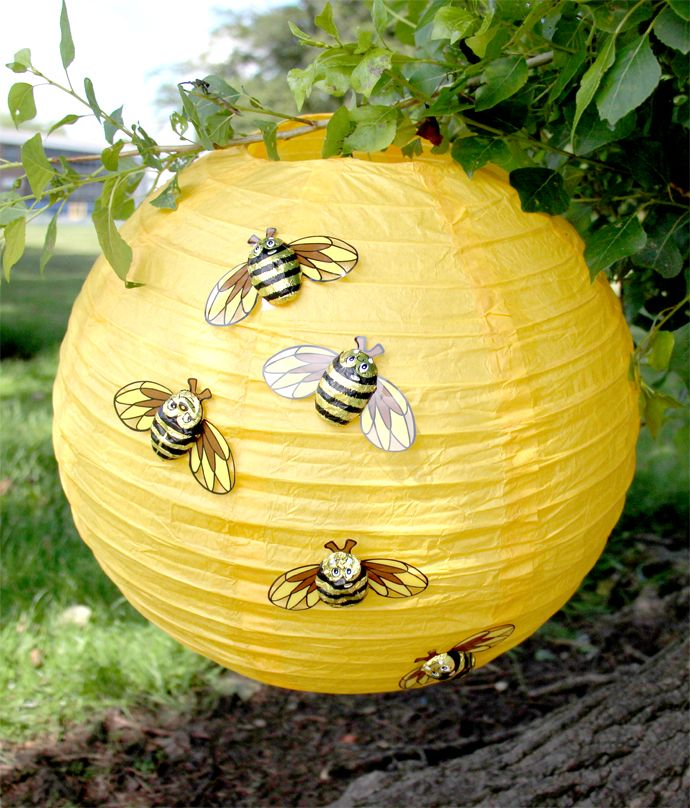 Have a go at making this easy bee hive lantern - an easy DIY party idea that's perfect for a teddy bear's picnic or Winnie the Pooh party.