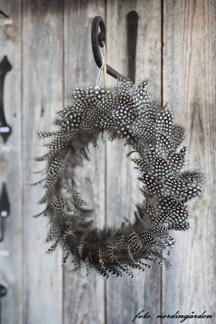 feather wreath, really pretty, just don't really know when to use it lol.