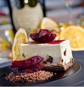 Varso Vie to miejsce dla miłośnika dobrego jedzenia w miejskim wnętrzu, wypełnionym nowoczesną sztuką, to miejsce niebanalnych przeżyć kulinarnych czerpiące z tradycyjnych polskich przepisów. Połączenie tych tylko pozornie sprzecznych elementów sprawia, że odkrywanie zmysłowej przyjemności jedzenia może być przygodą.