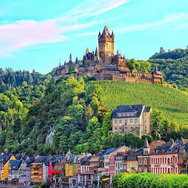 It's a beautiful day in Cochem.  Postcard views by @senorabubu. #Mosel #Germany #travelzoo