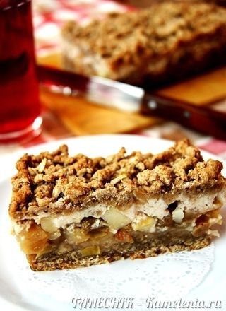 Пирожное из овсянки с яблоком и йогуртом