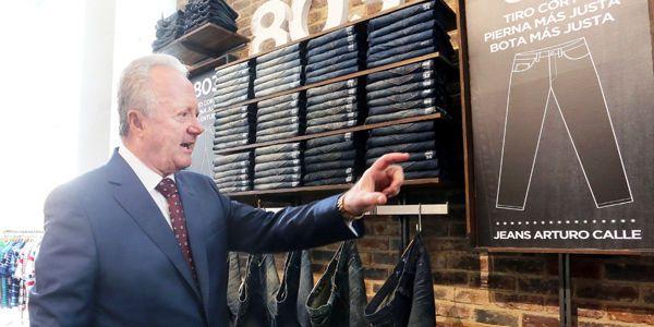 Arturo Calle, presidente de la compañía de confecciones de ropa masculina que lleva su nombre.
