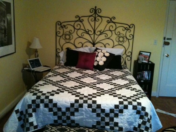 66 Best Quilt In Black And White Images On Pinterest Quilting Ideas Black N White And Black Man