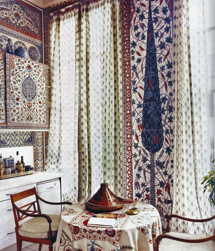 Iksel wallpaper in Iznik, hand painted decorative wallpapers by Dimonah #interior #design #fabric #decoration #luxury