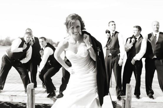 18 best groomsmen photo ideas images on pinterest wedding pictures wedding shot and groomsmen. Black Bedroom Furniture Sets. Home Design Ideas