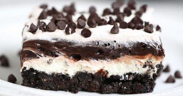 Vous cherchez à éblouir vos invités, cette lasagne au chocolat est totalement RENVERSANTE!