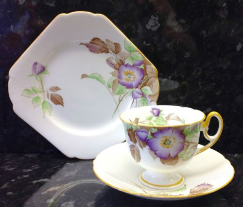 Shelley-Mayfair-Shape-Wild-Rose-Pattern-Tea-Cup-Trio 59.95 POUNDS