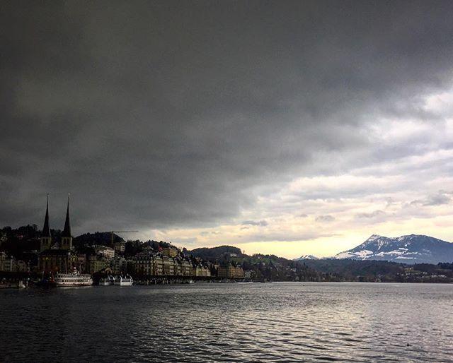 🌪🌫#какбахнет - - -  #fasching #dienstag #буря #kaboom #storm #coming #lake #luzern #fassnacht #fun #home #town #loveit #instagood #sky #skyporn #clouds #cloudporn #vscocam #vsco #inlovewithswitzerland #myswiss #life #travel #travelgram #swissmade #inlove by food_art_travel. dienstag #kaboom #skyporn #lake #home #swissmade #myswiss #буря #loveit #fasching #storm #luzern #town #vsco #clouds #cloudporn #inlove #travelgram #life #какбахнет #travel #coming #fun #instagood #sky #vscocam…