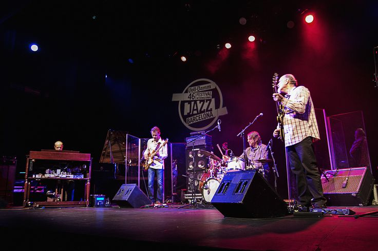 Medeski,Scofield,Martin,Wood. 46 barcelona,voll-damm jazz festival / CLICK ON THE PIC TO READ THE GIG REPORT