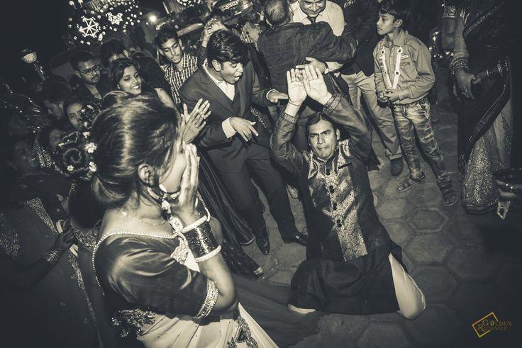 Snake dance style! Golden Rectangle, Bangalore  #weddingnet #wedding #india #bangalorewedding #indian #indianwedding #weddingphotographer #candidphotographer #weddingdresses #mehendi #ceremony #realwedding #lehenga #lehengacholi #choli #lehengawedding #lehengasaree #saree #bridalsaree #weddingsaree #indianweddingoutfits #outfits #backdrops  #bridesmaids #prewedding #photoshoot #photoset #details #sweet #cute #gorgeous #fabulous #jewels #rings #tikka #earrings #sets #lehnga #love #inspiration