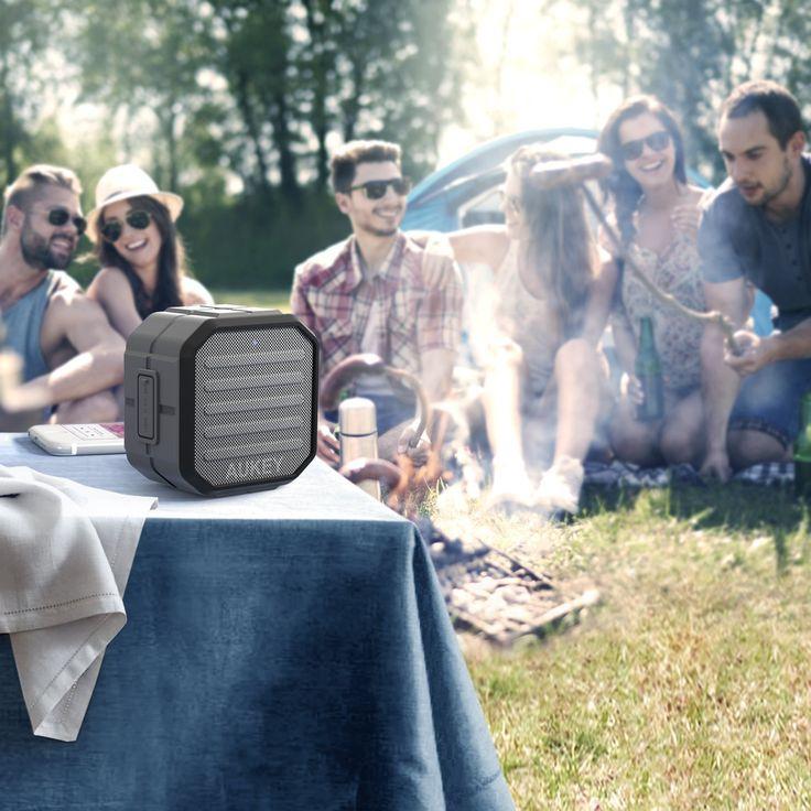AUKEY Mini Haut-Parleur Bluetooth Enceinte Portable avec Microphone intégré Appel mains libres pour iPhone, Samsung, HTC, iPad, Tablettes, PC, etc.. de Aukey. Avec le réseau antéro-postérieur de haut-parleur, l'enceinte vous fournit un son de haute qualité. Les hauts riches et clairs, les basses profondes. Unique et compact : petite et légère