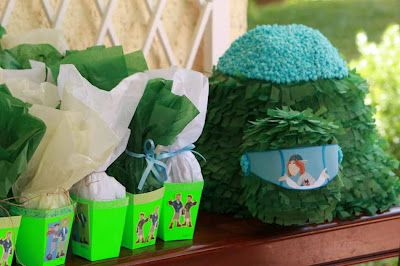 Wild Kratts party pinata and favor boxes.