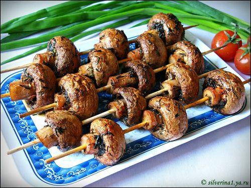 Перед майскими праздниками хочу поделиться неоднократно проверенным рецептом грибного шашлыка. Грибы получаются вкусными и сочными, причем этот шашлык можно…
