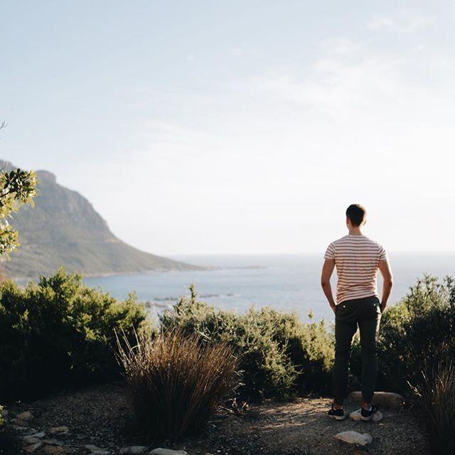 Der nächste ist weg... Jo ist @opjoeck , ein Jahr unterwegs in Kapstadt, Australien, Neuseeland, Asien - wie so viele junge Menschen das nach dem Abi machen. Das bei uns zwei Kinder gleichzeitig weg sind ist schon hart... aber in fünf Wochen sehen wir uns schon wieder, dann geht es auch für uns nach Kapstadt! Das hat den Abschied ein bisschen leichter gemacht.... ____________  #kapstadt #capetown #reisen #auslandsjahr #familie #houtbay #southafrica #travel    #Regram via @23qmstil