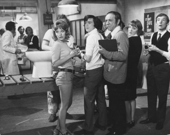 Jacki Piper, Richard O'Callaghan, Sidney James, Patsy Rowlands and Kenneth Williams in Carry On At Your Convenience.