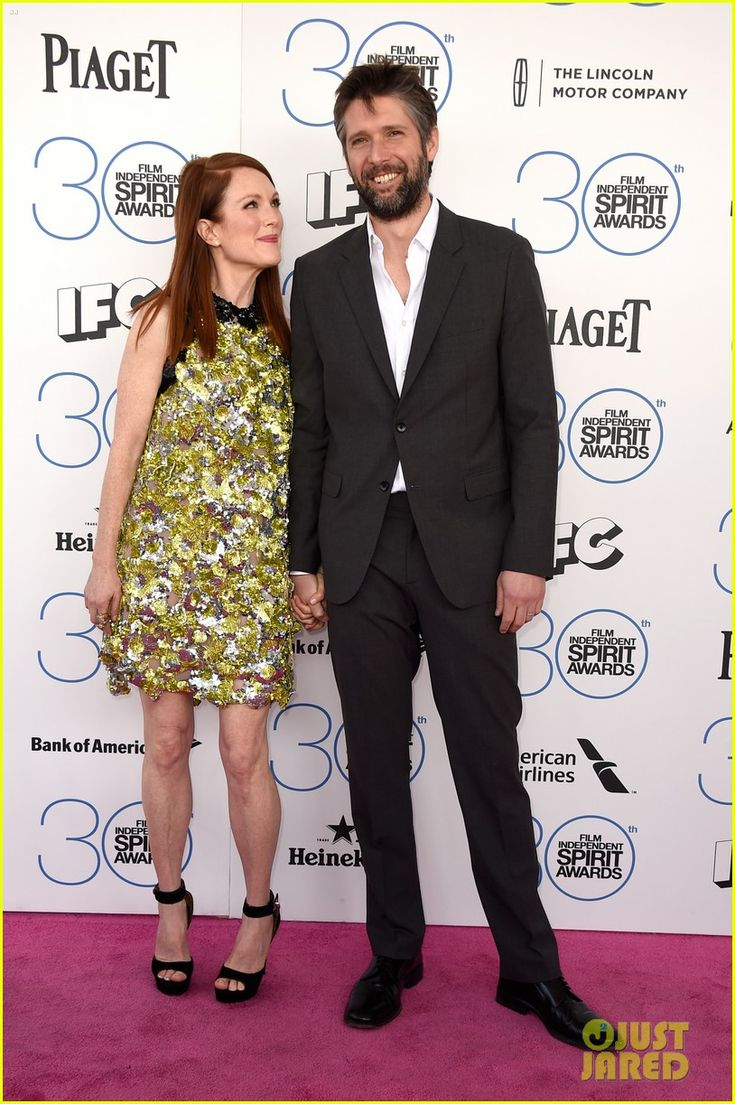 Julianne Moore Brings Hubby Bart Freundlich for Support at Spirit Awards 2015 held on Saturday afternoon (February 21) at the beach in Santa Monica, Calif.