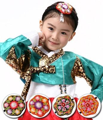 Korean pigtail ribbon DAENGGI.  Use this daenggi is essential when you wear hanbok.