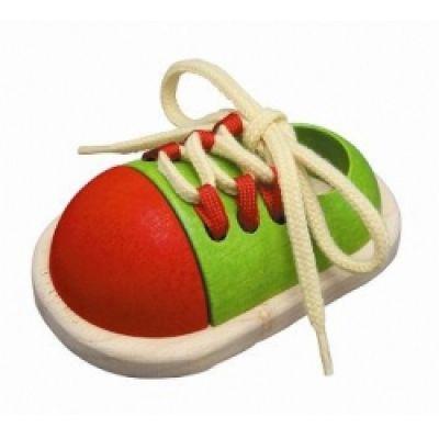 http://www.mansardacopiilor.ro/jucarii-jocuri/jucarii-din-lemn/plan-toys-pantof-cu-siret-5319.html