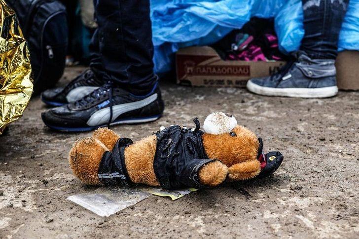 Che ha lasciato i profughi lì, che non tornerà mai più