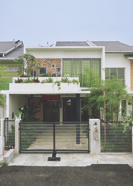 Terrace House Renovation,© Ian wong