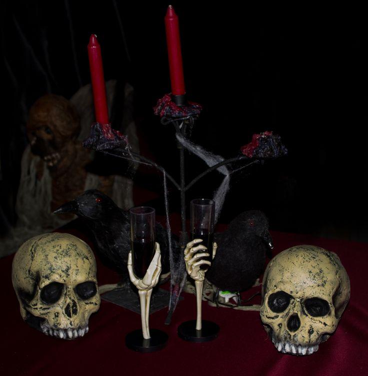 Vi aspettiamo al ristorante la Terrazza completamente trasformato in un cimitero notturno popolato da spiriti e zombie....