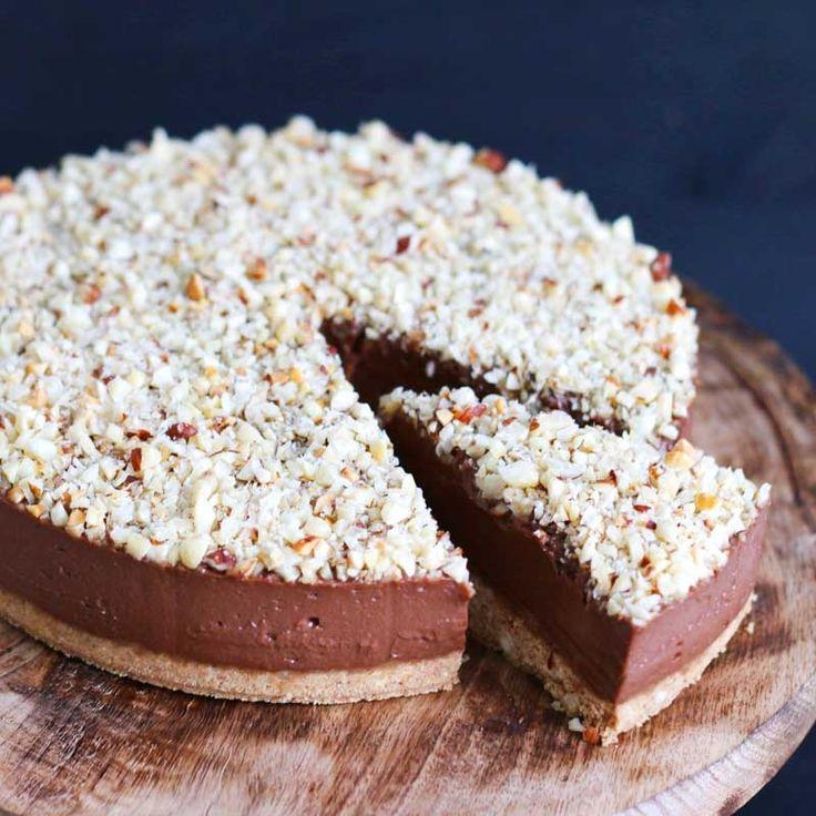Il cheesecake alla Nutella senza forno è una ricetta semplice per preparare un delizioso cheesecake, fatto con amore e Nutella e il tutto senza dover accendere il forno...
