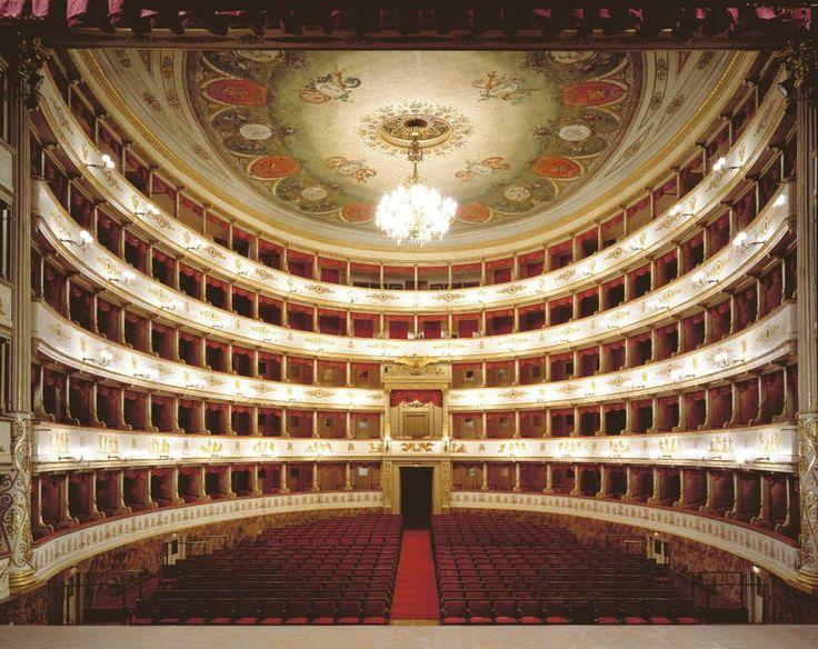 Il Teatro Comunale Luciano Pavarotti, è il principale teatro lirico della città di Modena è considerato uno dei più importanti dell'Emilia-Romagna, dopo il Teatro Regio di Parma ed il Teatro Comunale di Bologna. Il Teatro è stato luogo di incontri con personaggi lirici noti in tutt'Italia, fra questi il tenore modenese Luciano Pavarotti, da cui prende il nome il prestigioso teatro.