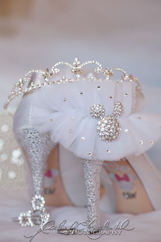 Disney Wedding! Garter, Shoes, and bouquet pin! Love the picture idea