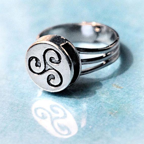 Triskele triskelion anneau emblème symbole BDSM cadeau de