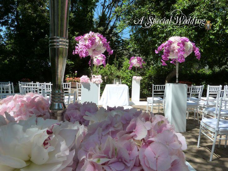 Bianco e rosa per i giardini del Museo Correale