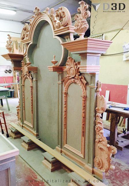 Vista lateral del retablo en proceso de fabricación