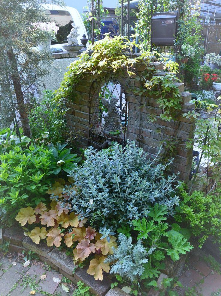 フロントガーデン レンガ敷きが ようこそブルーガーデンへ 楽天ブログ フロントガーデン シェードガーデン 美しい庭