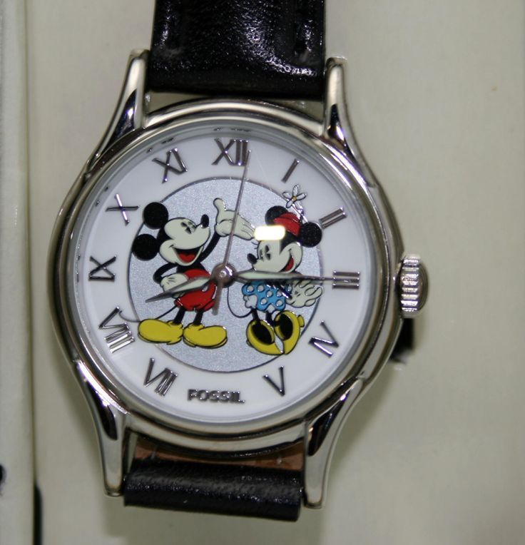 nice Montre pour femme : nice Montre pour femme : Mickey, Minnie Mouse Watch, Fossil Limited Edition Wome...