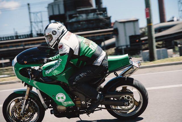 Daniel's Kawasaki ZX12R