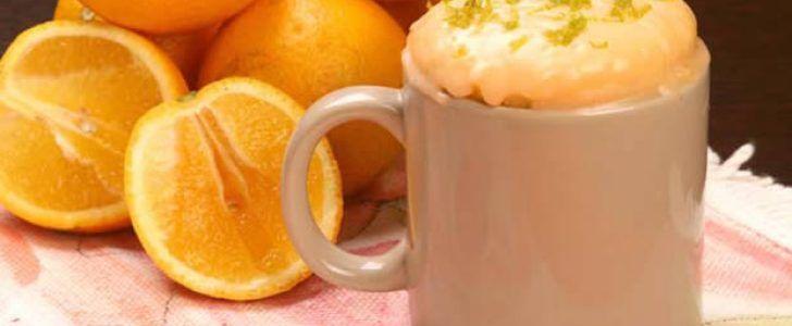 Receita de bolo de laranja na caneca