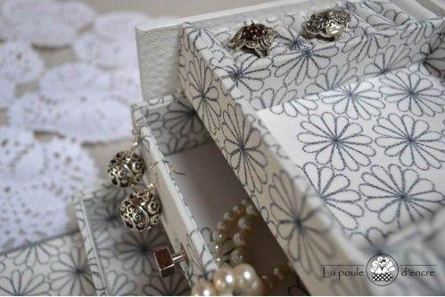 Plus de 1000 id es propos de cartonnage sur pinterest for Miroir des joyaux
