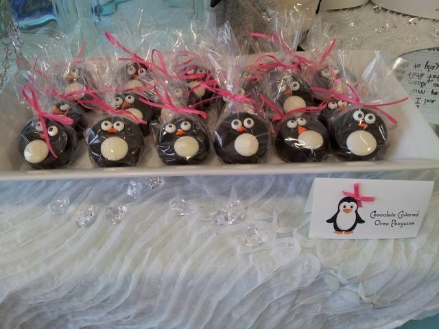 Chocolate Oreos at a Penguin Party #penguin #partyoreos
