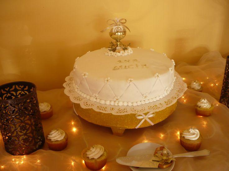 Torta Primera Comunión Blanco y Dorado / Creaciones Reina Sofia Ciudad Ojeda