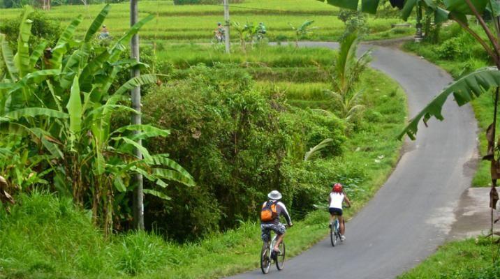 På cykeltur på Bali