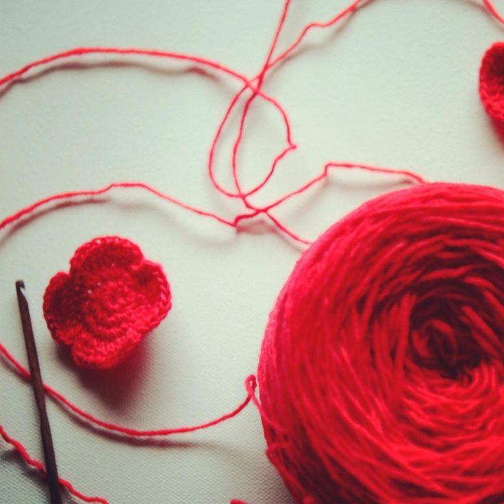 DIY; Remembrance Day Poppy Crochet Pattern