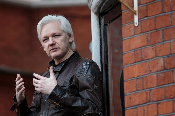 WikiLeaks was actively courting the Trump campaign over Twitter