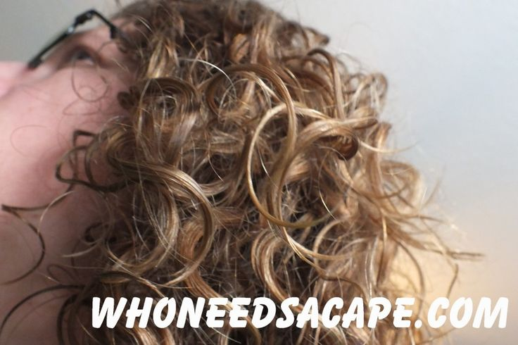 Tips for Naturally Curly Hair - the do's and don'ts! ~ Who Needs a Cape?