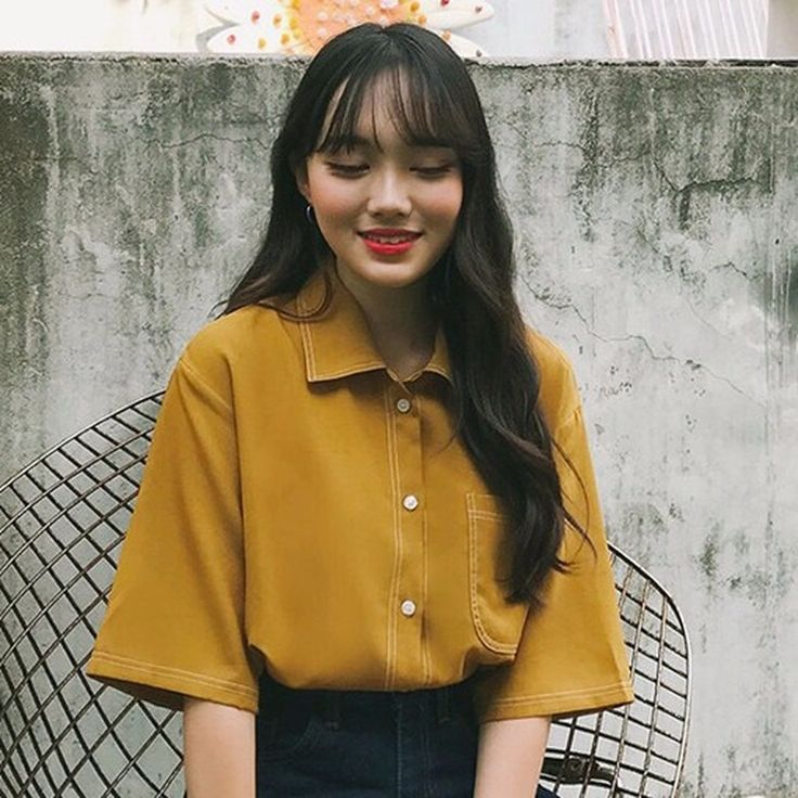 ステッチポイントBoxyシャツ ベーシックなデザインのシャツにちょっとした小技を効かせたポリエステルシャツです。 シンプルなデザインですが、差し色のステッチがお洒落に見えるポイント◎ ボタンを外して羽織りとしても◎なアイテムなのでロングシーズン使えます。 #dejou #koreafashion #ootd #daliy #style #shopping #cute #selfie #nihon #日本 #ファッション #コーデ #韓国ファッション #今日のコーデ
