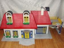 2000 Retired PLAYMOBIL Modern HOUSE 3965 Missing Pieces Good Condition