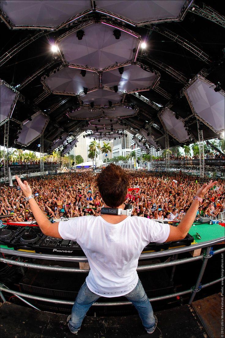 Sander van Doorn, Ultra Music Festival 2012. Rutger Geerling/ 2012 Ultra Music Festival