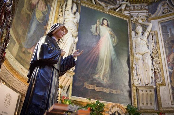 فعلت رسولة الرحمة الإلهية ما أوصيت به، وأعطت الصورة إلى رئيساتها في الدير. بعد ذلك بدأت تنشر للعالم عن الرحمة الإلهية. ان السنوات الأربع عشرة من حياتها